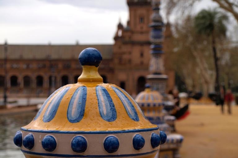 Plaça Espanya en Sevilla - Azulejos azules