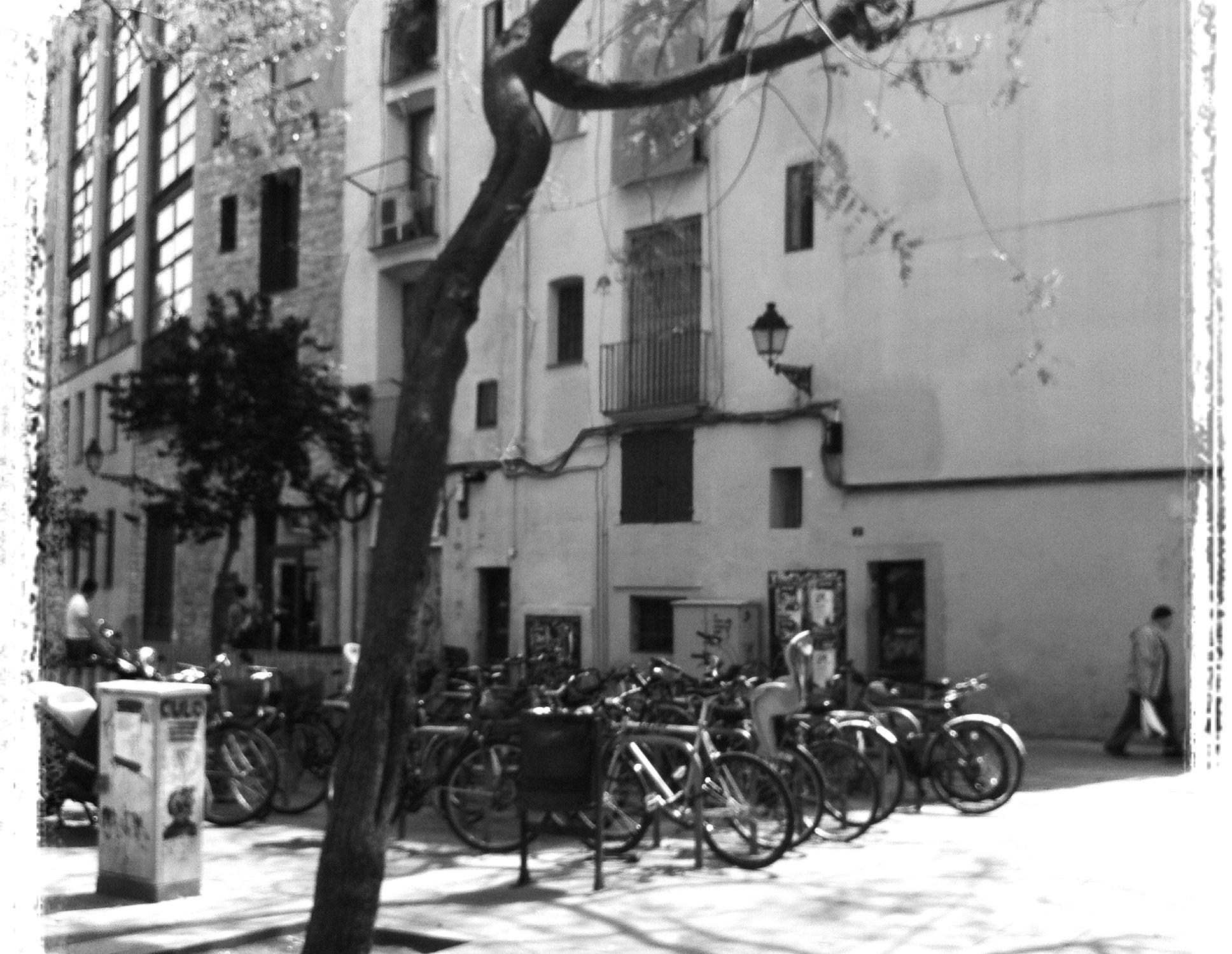 Sunny sunday in Raval, Barcelona